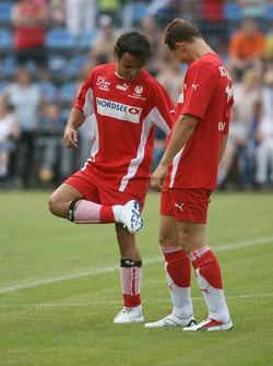 Evento de la UNESCO Juego del corazón, las superestrellas de F1 juegan contra las superestrellas RTL: Felipe Massa y Michael Schumacher