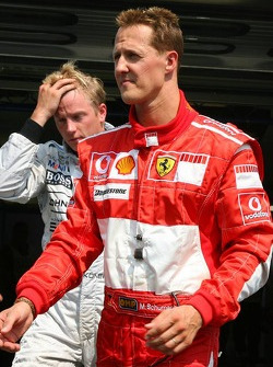 Michael Schumacher und Polesitter Kimi Räikkönen