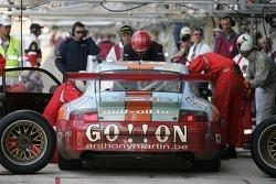 Pitstop for #73 Ice Pol Racing Team Porsche GT3 RSR: Yves-Emmanuel Lambert, Christian Lefort, Romain Iannetta