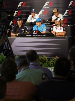 FIA press conference: Mark Webber, Robert Kubica, Fernando Alonso, Christian Klien and Jenson Button