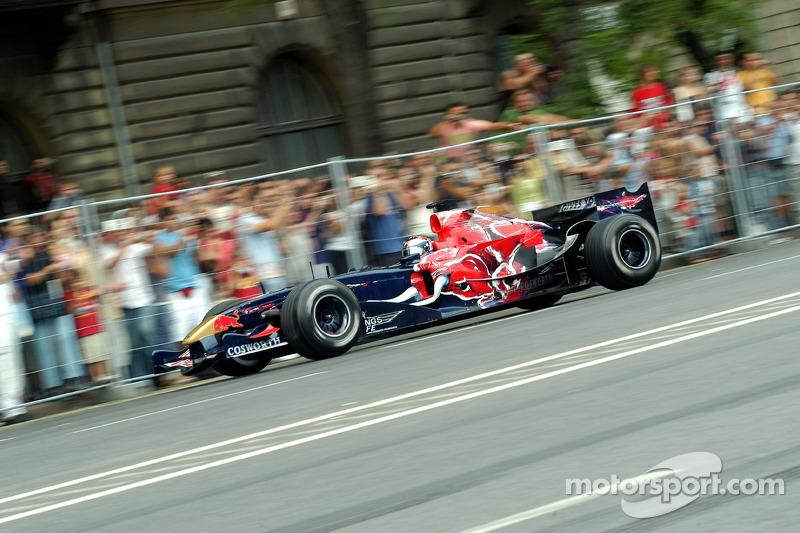 Red Bull Show Run Budapest: Neel Jani