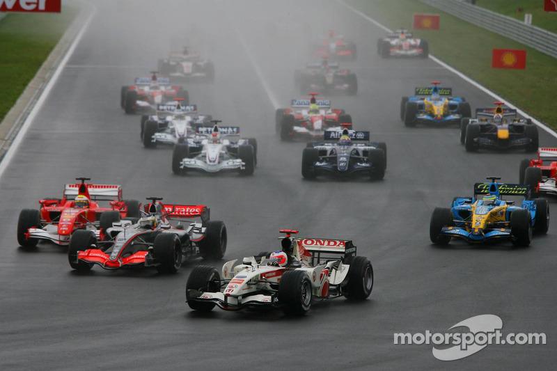 Inicio: Rubens Barrichello, Pedro de la Rosa y Felipe Massa