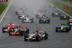 Start: Rubens Barrichello, Pedro de la Rosa and Felipe Massa