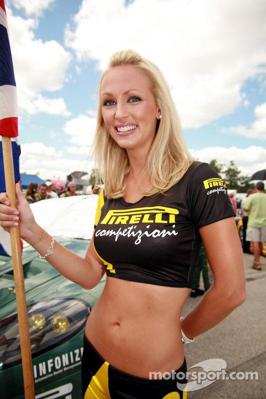 Une Pirelli girl