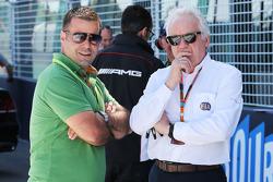 (da sinistra a destra): Zsolt Baumgartner, con Charlie Whiting, Delegato FIA