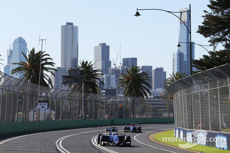 Marcus Ericsson, Sauber C34, vor Teamkollege Felipe Nasr, Sauber C34