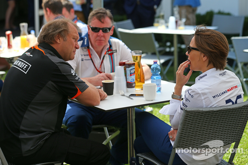 Robert Fernley, Sahara Force India F1 Team Deputy Team Principal, with Claire Williams, Williams Deputy Team Principal (Right)