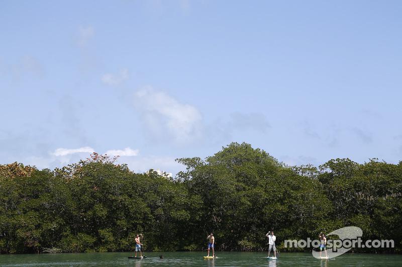 Pilotlar Miami'nin güzel havasıyla eğleniyor