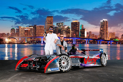 Хайме Альгерсуари и Сэм Берд, Virgin Racing