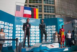 Подиум: победитель гонки Николя Прост, второе место - Скотт Спид, третье место - Даниэль Абт