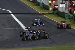 Nico Hulkenberg, Sahara Force India F1 VJM08 memimpin rekan setim Sergio Perez, Sahara Force India F
