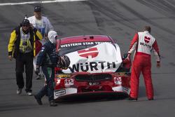 Marcos Ambrose, Team Penske Ford en problemas