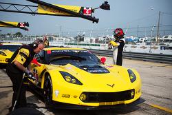 #4 Corvette Racing Chevrolet Corvette C7.R: Олівер Гевін, Томмі Мілнер, Сімон Пагенауд