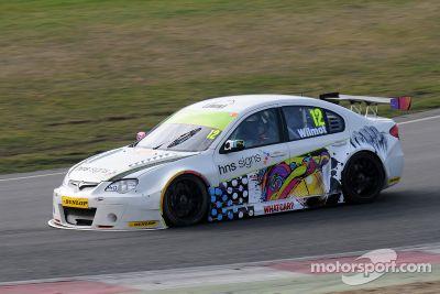 Testfahrten in Brands Hatch, März