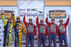 Podio: vincitori di corsa Robin Liddell, Andrew Davis, Stevenson Motorsports, secondo posto Lawson A