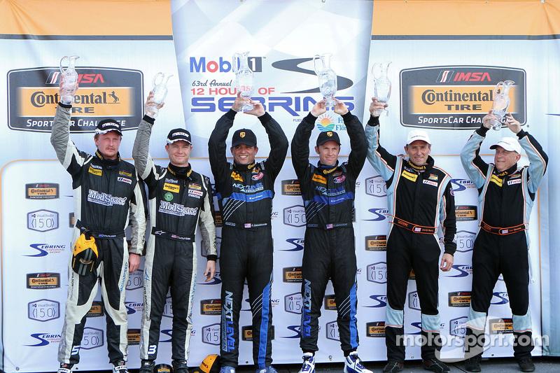 ST podium: winners Greg Liefooghe, Eric Zimmermann, tempat ke-2 Ted Giovanis, David Murry, tempat ke
