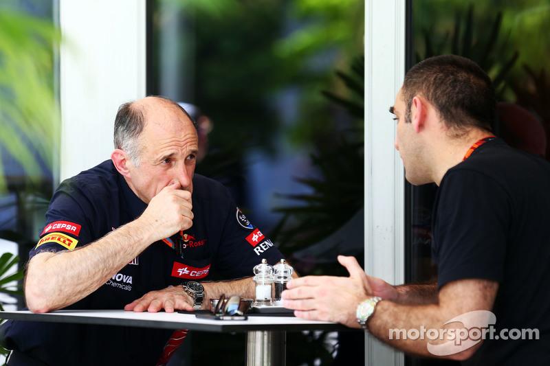 (Kiri ke Kanan): Franz Tost, Scuderia Toro Rosso Team Principal dengan Cyril Abiteboul, Renault Sport F1 Managing Director