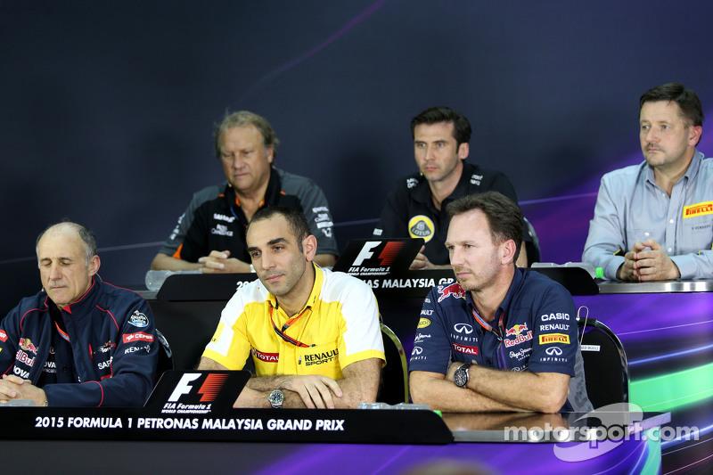 Cyril Abiteboul, Renault Sport F1, mit Christian Horner, Sportdirektor Red Bull Racing, und Franz To