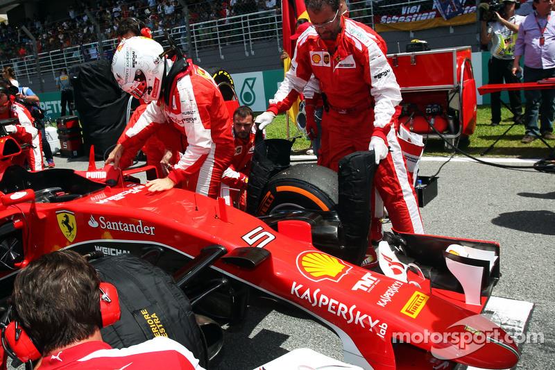 Sebastian Vettel, Ferrari SF15-T di grid