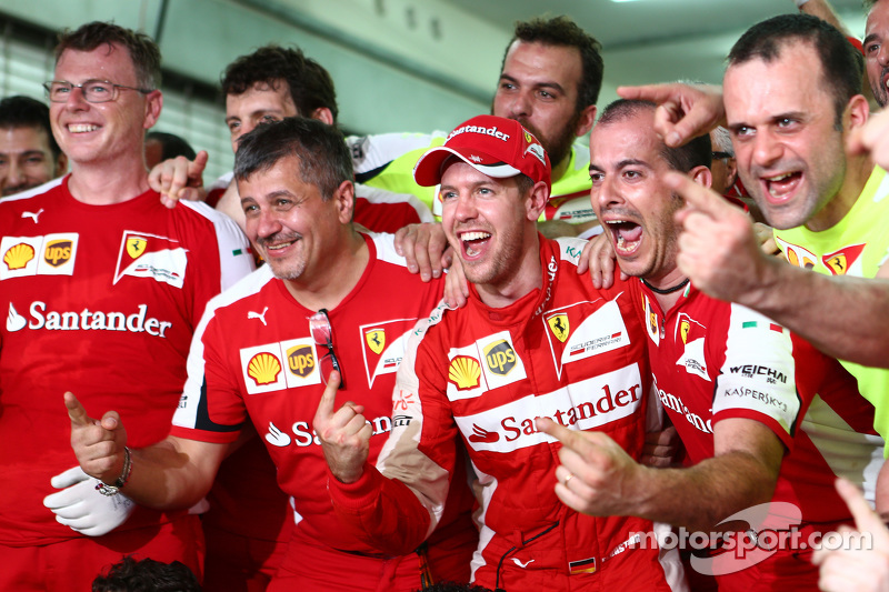 2015 - Grand Prix von Malaysia: Sebastian Vettel, Scuderia Ferrari SF15-T
