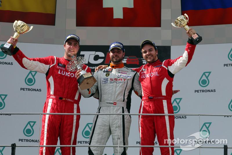 Posisi pertama Stefano Comini, SEAT Leon Racer, Target Competition, posisi kedua Pepe Oriola, SEAT L