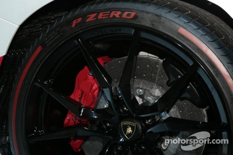 Lamborghini Aventado, Pirelli-Edition