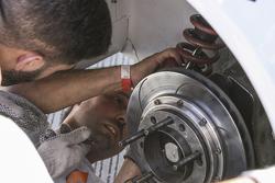 Emiliano Spataro, UR Racing Dodge Shock replacement