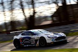 سيارة أستون مارتن فينتج رقم 007، أندرو هوورد، جوني آدمز