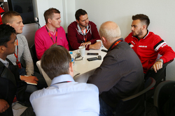 Уілл Стівенс, Manor F1 Team з медіа