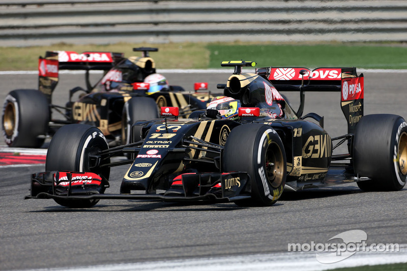 Pastor Maldonado, Lotus F1 Team e Romain Grosjean, Lotus F1 Team