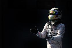Le vainqueur Lewis Hamilton Mercedes AMG F1