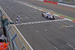1.: #7 Audi Sport Team Joest, Audi R18 e-tron quattro: Marcel Fässler, André Lotterer, Benoit Tréluy