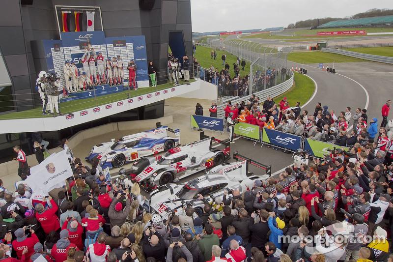 LMP1 Podium: second place Romain Dumas, Neel Jani, Marc Lieb and winners Benoit Tréluyer, Marcel Fassler, Andre Lotterer and third place Sébastien Buemi, Anthony Davidson, Kazuki Nakajima