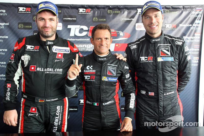Podium 1. Rennen: 1. Gianni Morbidelli, Honda Civic TCR, West Coast Racing, und 2. position René Münnich, Honda Civic TCR, West Coast Racing