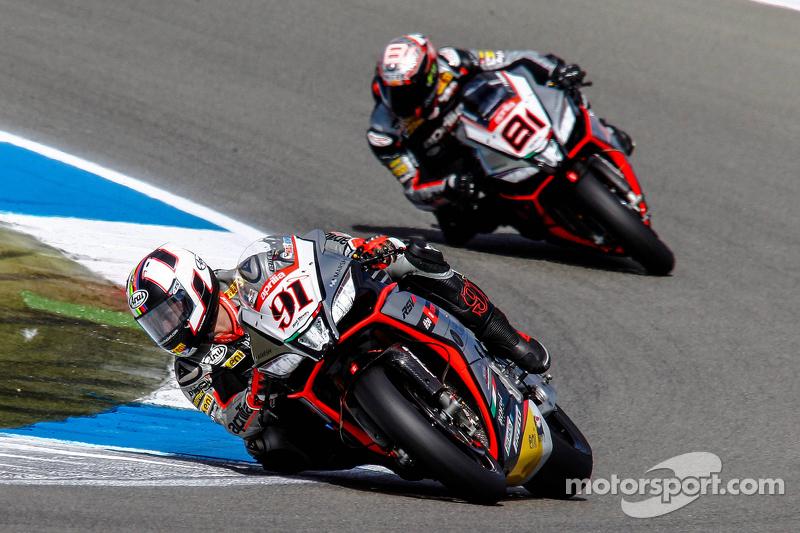 Leon Haslam, Aprilia Racing Team, dan Jordi Torres, Aprilia Racing Team