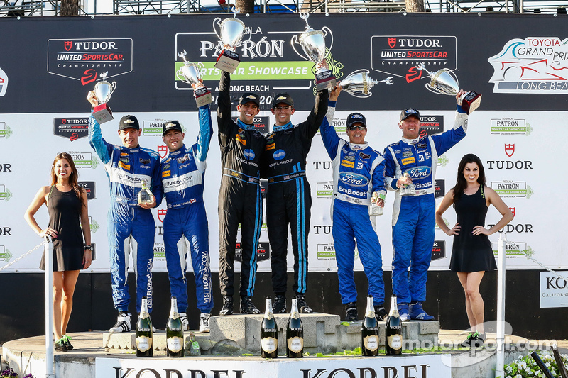 Podium: Third place #90 VisitFlorida.com Racing Corvette DP: Richard Westbrook, Michael Valiante, Race winners #10 Wayne Taylor Racing Corvette DP: Ricky Taylor, Jordan Taylor, and second place #01 Chip Ganassi Ford/Riley: Scott Pruett, Joey Hand
