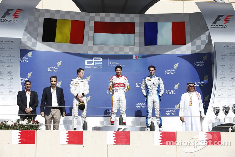 Pemenang balapan, Rio Haryanto, Campos Racing, dan peringkat kedua Stoffel Vandoorne, ART Grand Prix, dan peringkat ketiga Nathanael Berthon, Lazarus