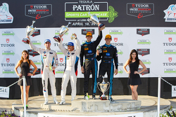 GTLM-Sieger: #25 BMW Team RLL, BMW Z4 GTE: Bill Auberlen, Dirk Werner; und Prototypen-Sieger: #10 Wayne Taylor Racing, Corvette DP: Ricky Taylor, Jordan Taylor