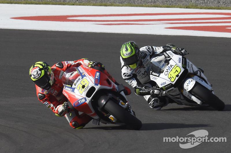 Andrea Iannone, Ducati Team, und Cal Crutchlow, Team LCR Honda