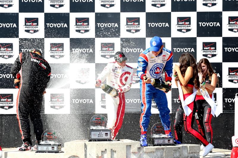 Podium: 1. Scott Dixon, Chip Ganassi Racing, Chevrolet; 2. Helio Castroneves, Team Penske, Chevrolet