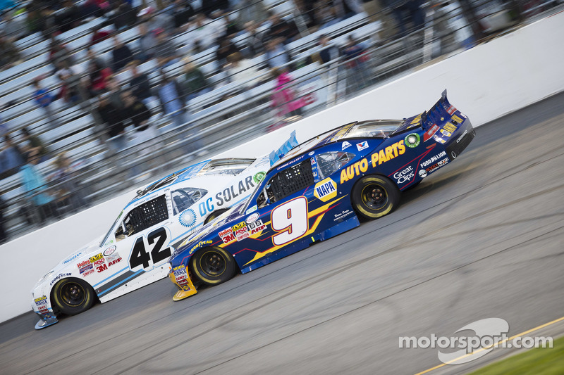 Brennan Poole, HScott Motorsports mit Chip Ganassi, und Chase Elliott, JR Motorsports, Chevrolet