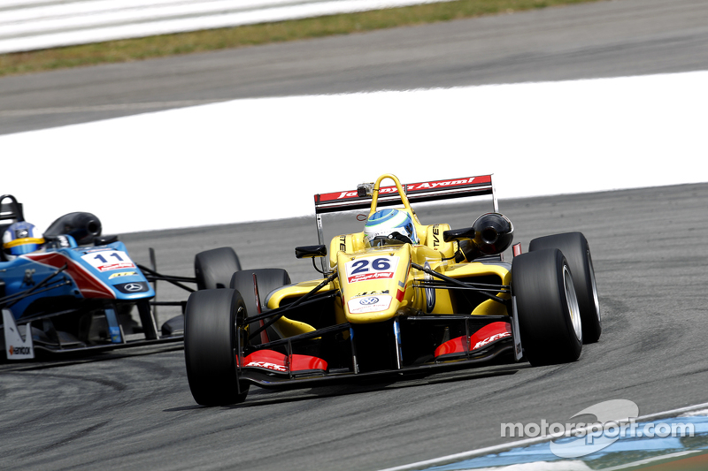 Ryan Tveter, Jagonya Ayam with Carlin, Dallara F313