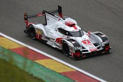 Audi R18 e-tron quattro Hybrid команды Audi Sport Team Joest : Марсель Фэсслер, Бенуа Трелуйе и Андре Лоттерер
