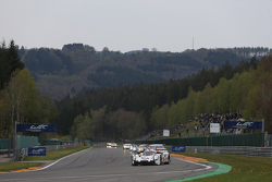 #17 Porsche Team, 919 Hybrid: Timo Bernhard, Mark Webber, Brendon Hartley