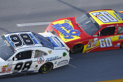 Aric Almirola, Biagi-DenBeste Racing 福特,和Chris Buescher, Roush Fenway Racing福特