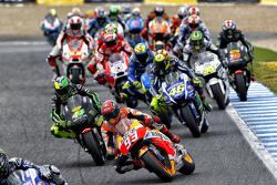 El inicio: Jorge Lorenzo, Yamaha Factory Racing, lidera la arrancada