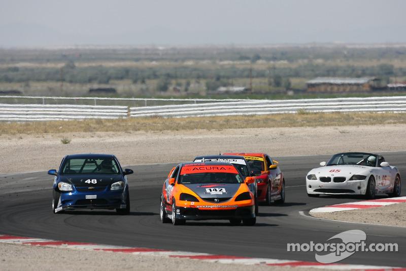 #142 Davis Motorsports Acura RSX - S: Anthony Serra, Jason Adamski
