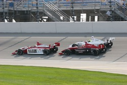 Jonathan Klein leads Wade Cunningham and Jay Howard to the line