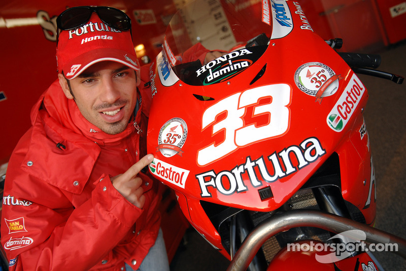 Marco Melandri celebrates the 35th anniversary of Honda Italia