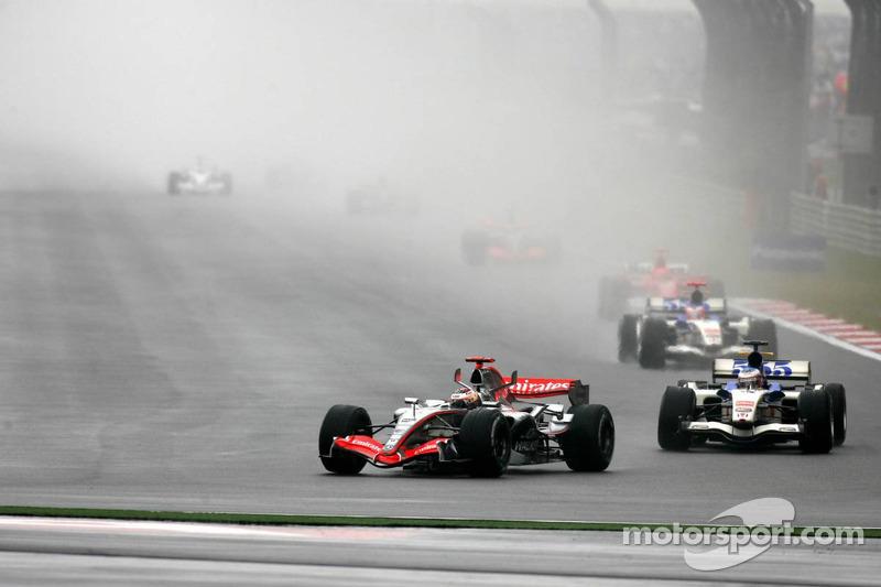 Inicio: Kimi Raikkonen y Jenson Button